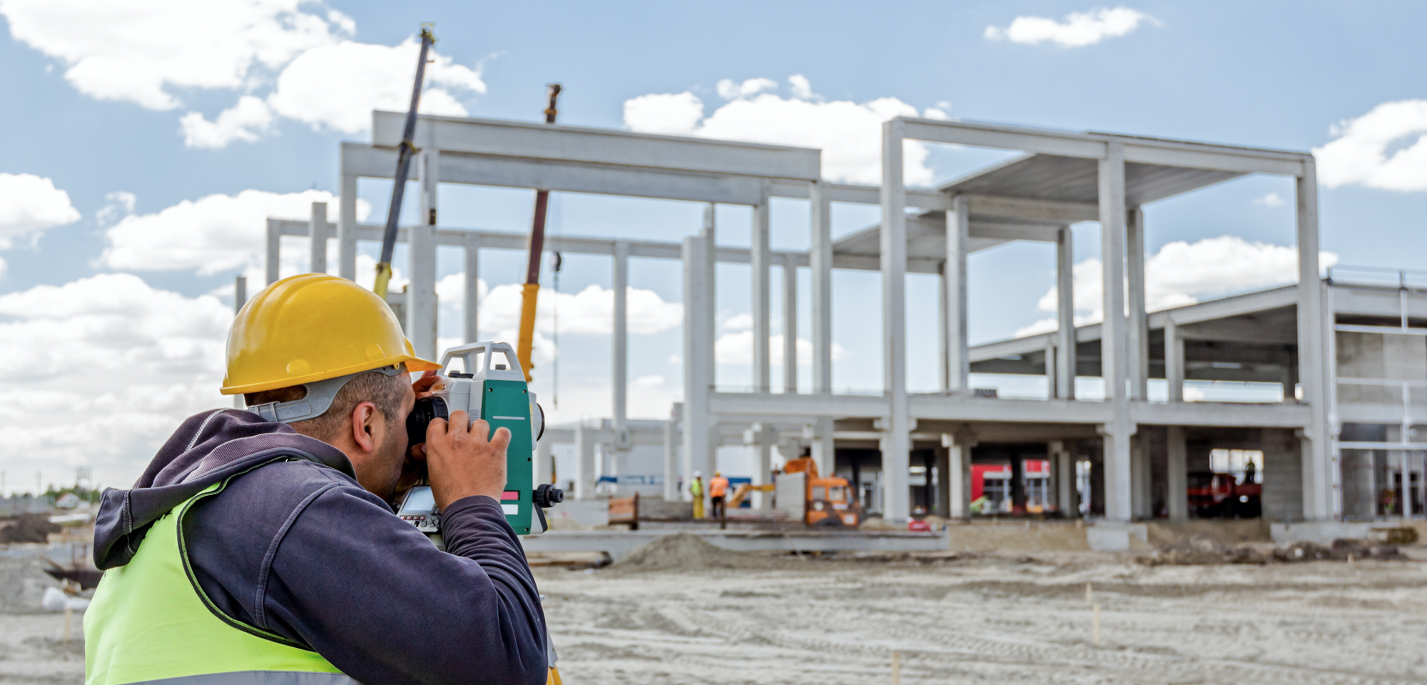 sectors involved in the construction industry Summarises what is meant by the construction sectors before going on to review the various roles for the chartered quantity surveyor within the uk construction industry.